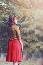 ruby red hat - pink polka dots scarf - ruby red pleated skirt skirt - brown top