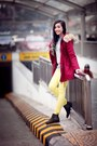 Dark-gray-boots-maroon-coat-heather-gray-sweatshirt-cream-pants