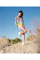 bubble gum sweater - white shoes