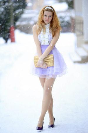 periwinkle skirt - gold bag - white top - navy heels