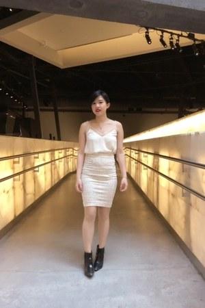 Aritzia blouse - Nine West shoes - Aritzia skirt