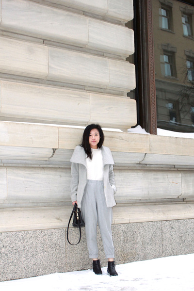 Aritzia coat - Wishbone boots - Club Monaco sweater - Aritzia pants
