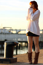 brown boots - white oversized sweater - black skirt