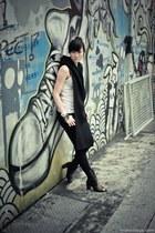 black Jeffrey Campbell shoes - black H&M jeans - black