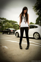 black Anne Michelle boots - black Forever 21 jeans - white Mphosis top
