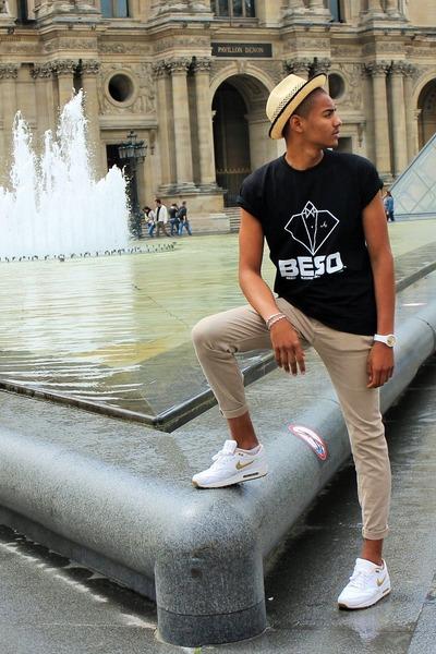 black BESO T-shirt t-shirt - white BESO t-shirt