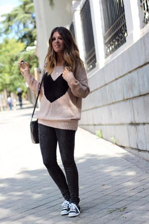 Armani E Paris jumper - Zara jeans - Converse sneakers