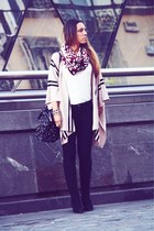 brick red Primark scarf - black Parfois bag