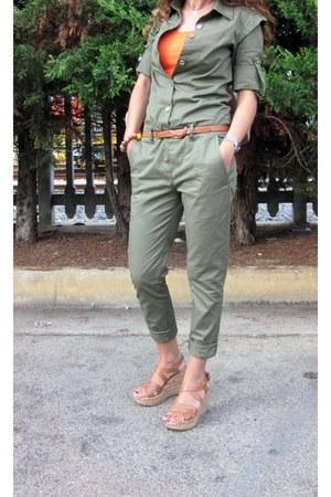 united colors of benetton shirt - Bata wedges