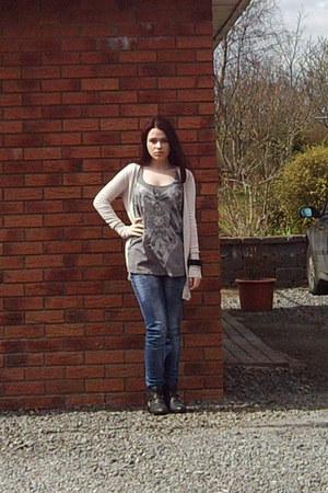 Primark boots - Primark jeans - Dunnes cardigan - Claires bracelet - Bershka top