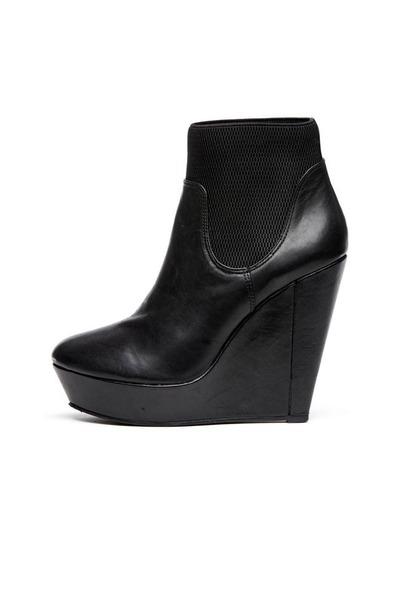 black Messeca boots