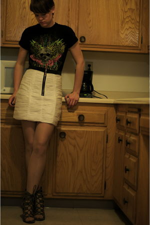 skirt - white Forever 21 shoes - silver deena and ozzy shoes