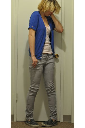 pink Michael Stars top - gray BDG jeans - gray Vans shoes - blue American Appare