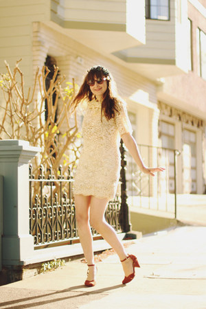 vintage dress - asos sunglasses - modcloth heels - gardens of whimsy accessories