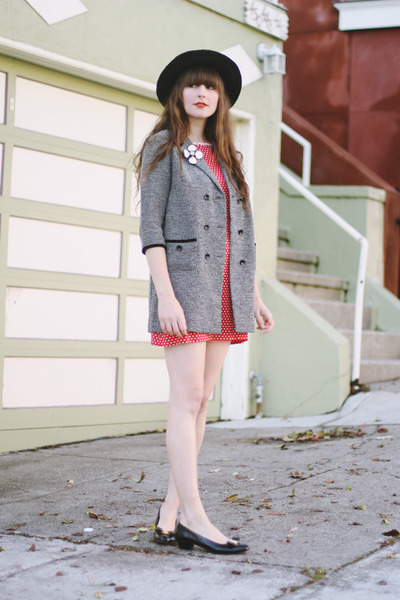 vintage shoes - vintage dress - vintage coat - vintage hat