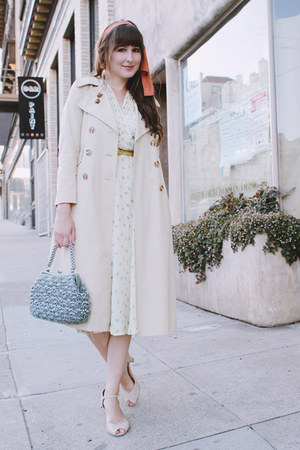 vintage dress - thrifted coat - vintage bag - thrifted belt