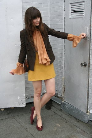 vintage blazer - Vintage Gucci blouse - vintage skirt - vintage Ferragamo shoes 