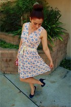 blue floral modcloth dress - bubble gum clutch Forever 21 bag