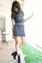 gray UO shirt - red thrifted belt - blue f21 skirt - black Deena & Ozzy boots