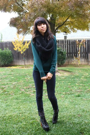 black chunky scarf - black jeffrey campbell lita boots - navy jeans