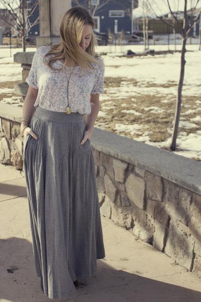 Wilfred Free t-shirt - Joe Fresh boots - e-Shakti skirt