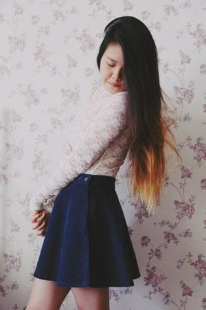 Forever 21 bodysuit - Stylenanda skirt