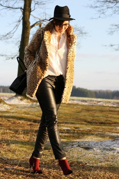 leather 3 suisses pants - Primark boots - leopard print Motel coat