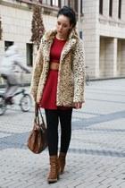 camel leo fake fur Motel Rocks coat - brown Deichmann boots