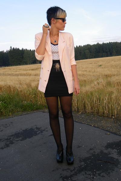 black vintage belt - black Primark shoes - pink vintage blazer