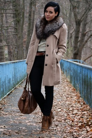 light brown trenchcoat Primark coat - brown Deichmann boots - black Vila jeans