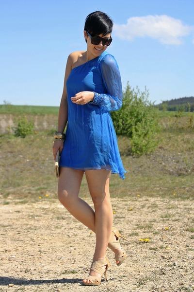 blue one shoulder Love dress - beige vintage bag - black 80s purple sunglasses -