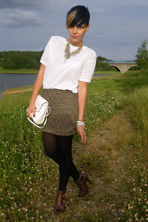 green H&M skirt - white vintage shirt - brown kleiderkeisel shoes - white vintag