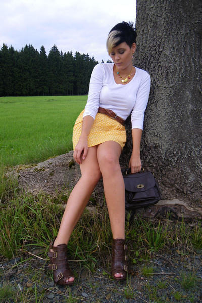 yellow H&M skirt - white Street One t-shirt - brown Primark bag - brown unknown