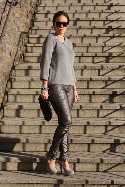 Wallis sweater - QS by SOliver pants