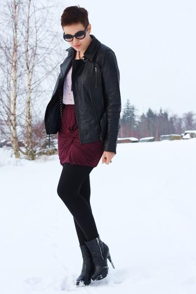 crimson New Yorker skirt - black leather Urbancode jacket