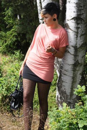 pink Vero Moda shirt - black vintage skirt - black Ebay bag - black Primark shoe