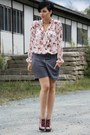 Pink-buffalo-heels-gray-new-yorker-shorts-light-pink-love-blouse