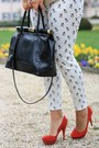 White-dog-printed-sheinside-pants-beige-sheinside-blazer-black-primark-shirt