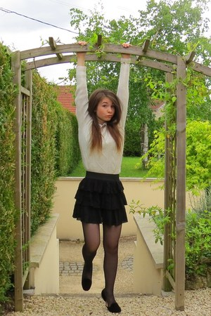 light sweater - Basic black opaque tights - peter pan collar t-shirt