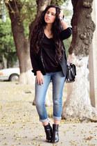 black leather Zara boots - black boyfriend jeans Zara jeans