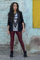 charcoal gray Choies t-shirt - brick red faux leather Gofavor leggings