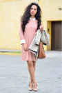 Beige-trench-coat-zara-coat-light-pink-collar-front-row-shop-dress