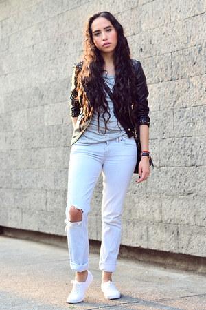 white white asos sneakers - light blue denim pull&bear jeans