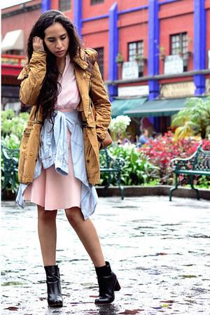 camel coat Zara coat - black ankle boots Zara boots