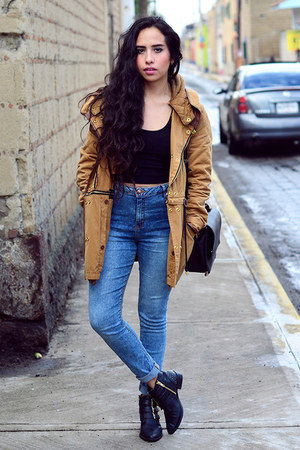 black studded pull&bear boots - blue high waisted Bershka jeans