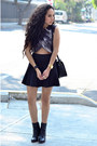 Black-ankle-boots-zara-boots-black-skater-zara-skirt-gray-crop-top-zara-top