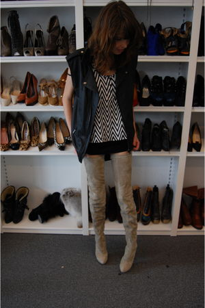 black vintage vest - beige Christian Louboutin boots