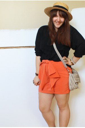 tan H&M hat - beige winners bag - carrot orange H&M skirt - black vintage blouse