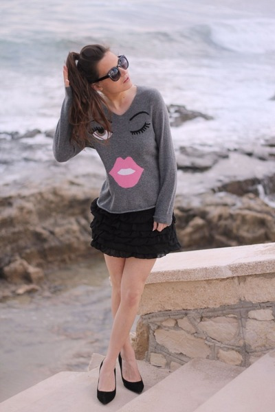 charcoal gray sweater - black skirt