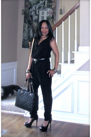 black unknown jumper - leather tote Mk bag - open toes black Steve Madden pumps